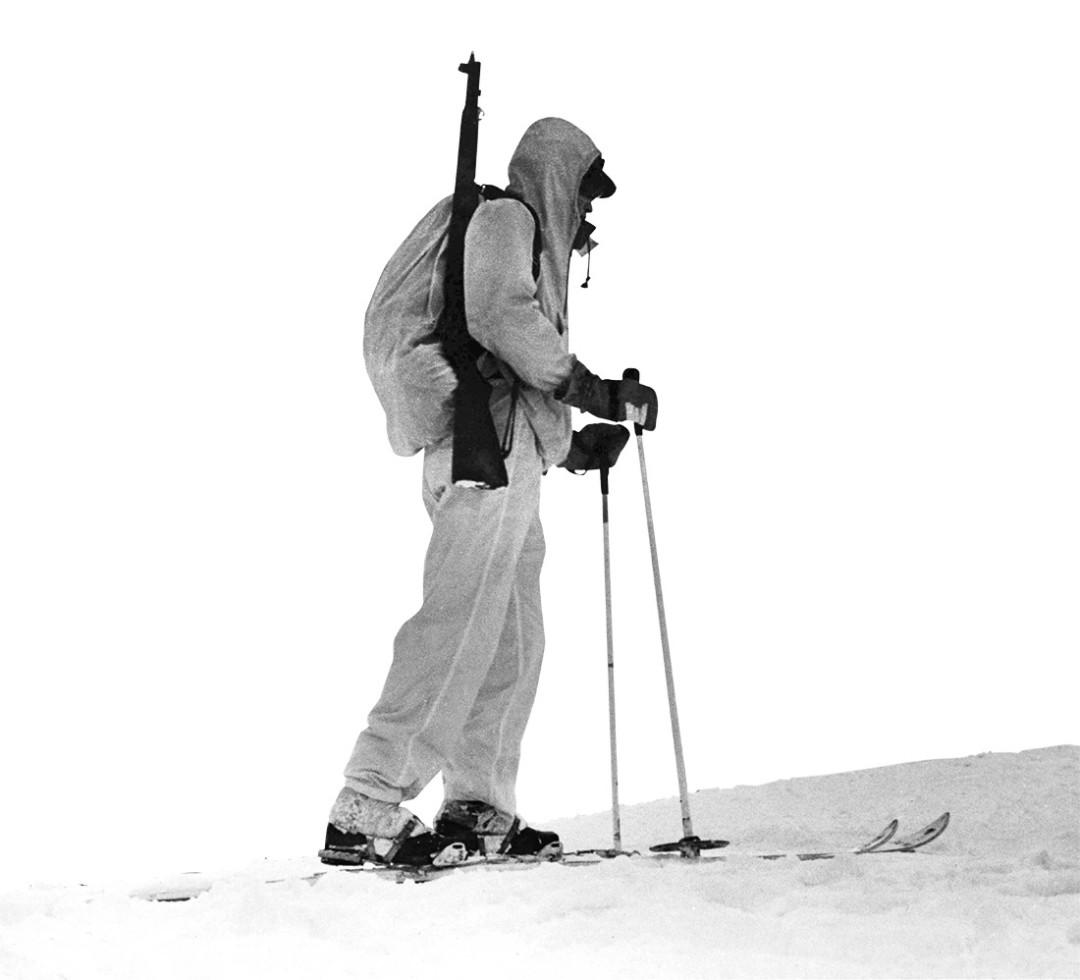 0215 breaking trail lone skier qulald