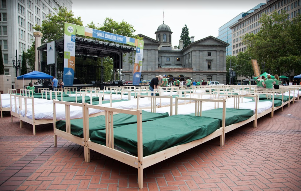 World Domination Summit Breaks Breakfast-in-Bed World Record