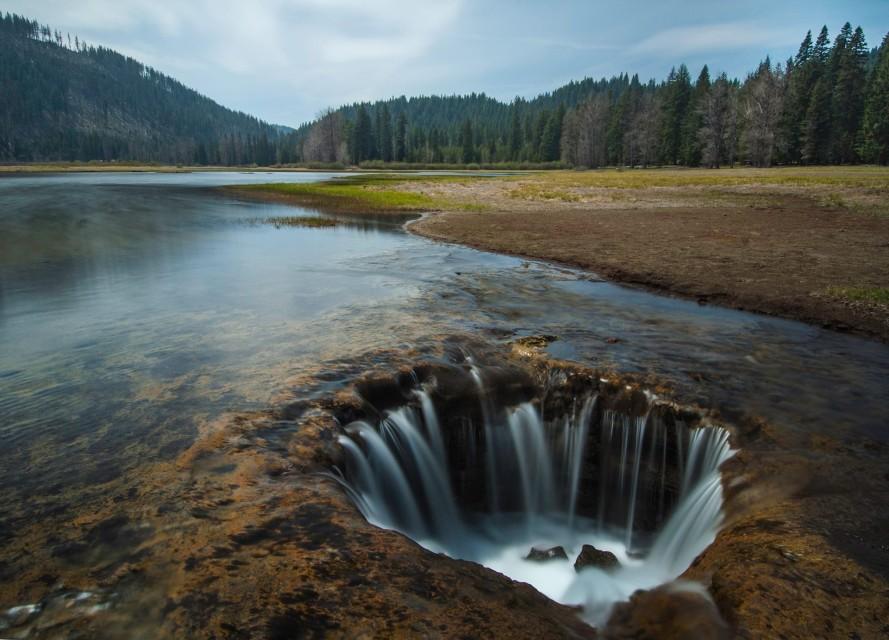 Oregon's Strangest, Most Otherworldly Natural Wonders