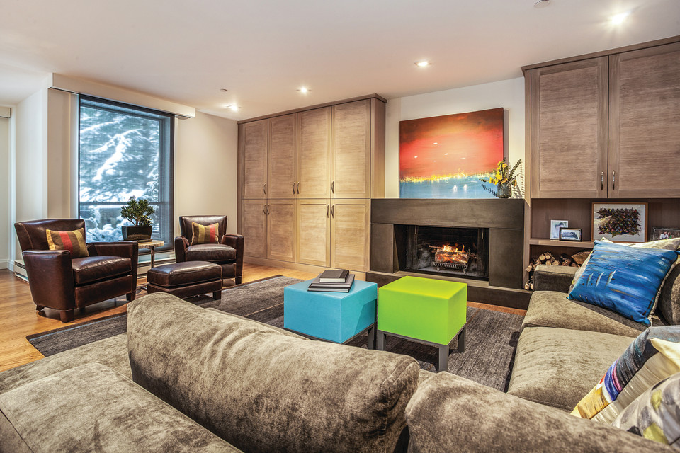 A Design Duo Brings New Life To A Golf Course Condo