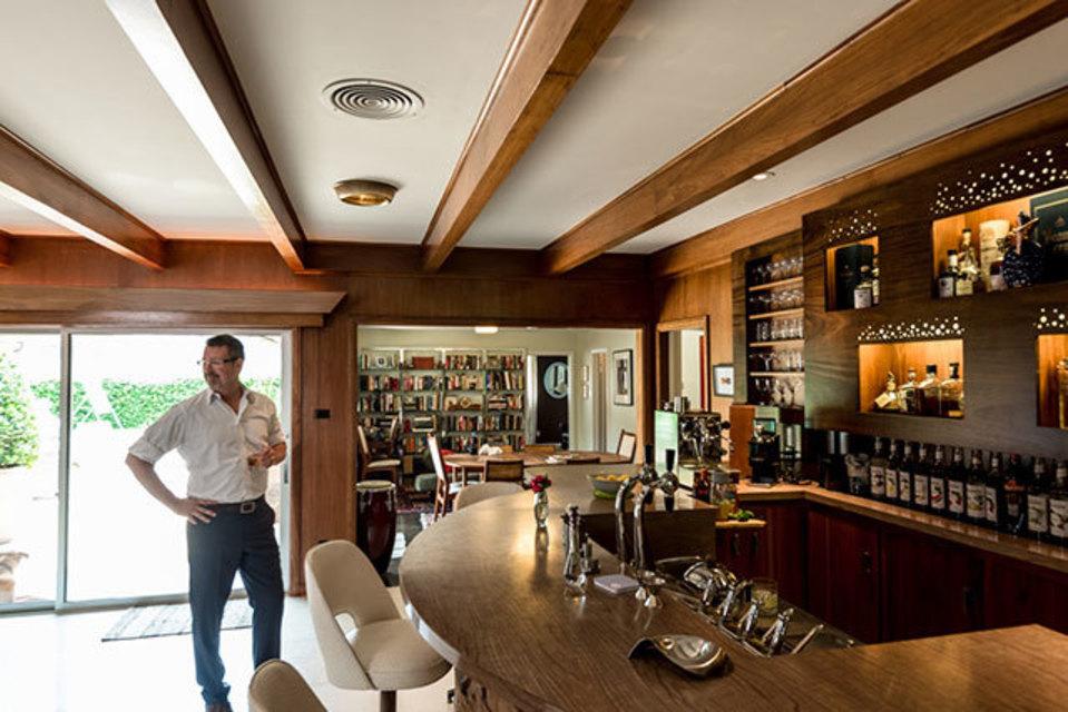 Beautiful 1 Of 11. Alvin Schultzu0027s Home Bar ...