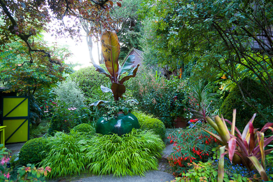 Slide Show Cynthia Woodyards Whimsical Garden Portland Monthly
