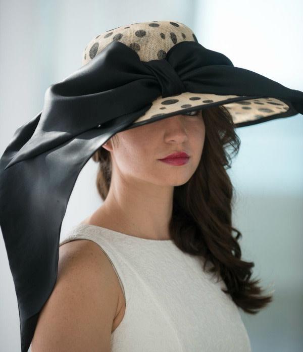 How to Choose the Right Hat for Pique Nique Sur la Baie  b6bd4e3e566