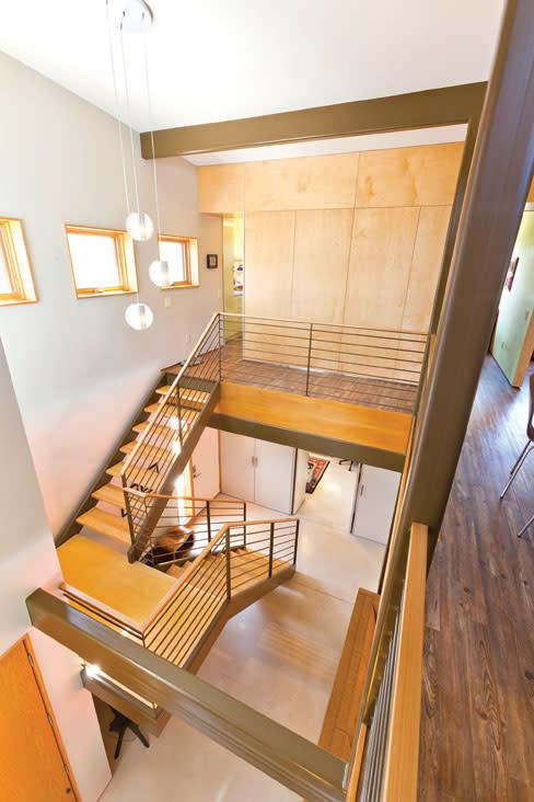 Lh atomic stairs dhoyo3