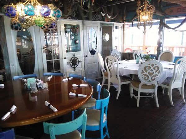 Sea food shack semiprivatediningroom yuhy9w