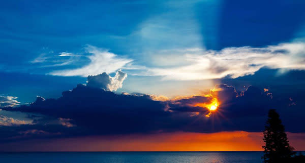 Sunset over lbk o1epvo