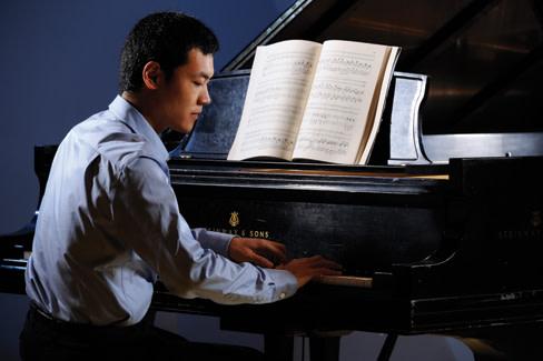 Insider pianist rbdmr2