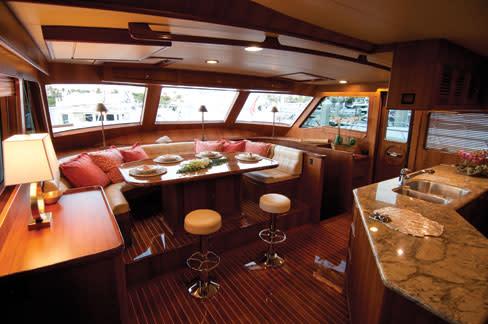 Lh yacht1 jedaqe