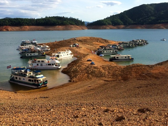 Rent a Houseboat on Shasta Lake | Portland Monthly