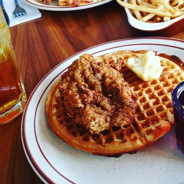 Fat's Chicken And Waffles