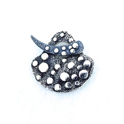 ST123 sterling silver toggle