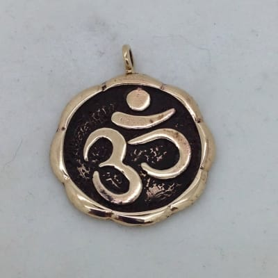 BP36 bronze ohm pendant