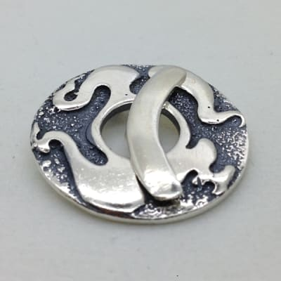 ST81 sterling silver toggle