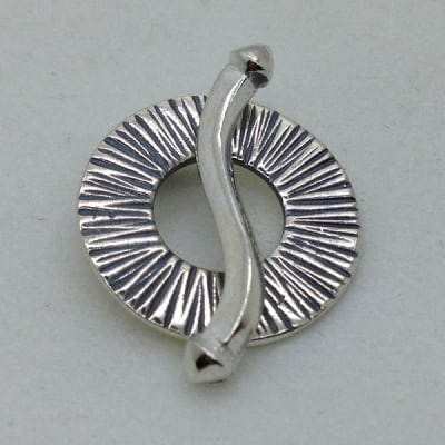 ST72 sterling silver toggle