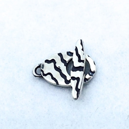 ST48 sterling silver toggle