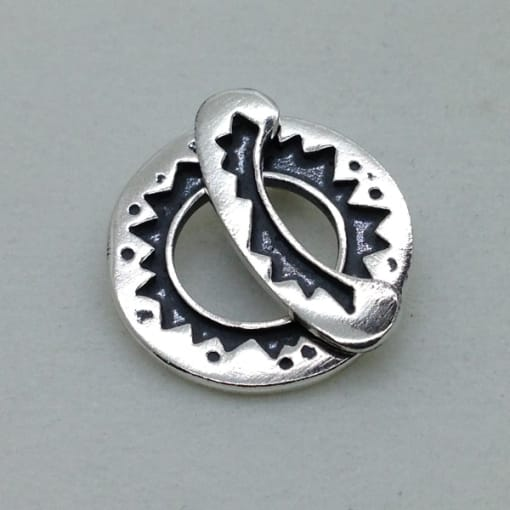 ST109 sterling silver toggle