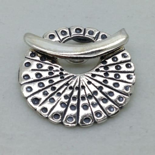 ST79 sterling silver toggle
