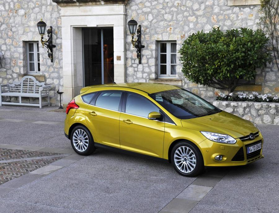 Фото Ford Focus 1.6 105hp AT, Ford Focus 1.6 125hp AT, Ford Focus 2.0 AT