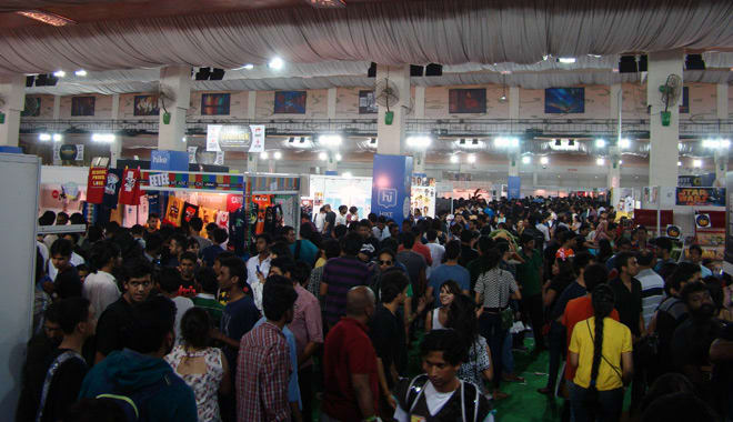 Comic-Con_Bangalore_2014_Crowd_Ground