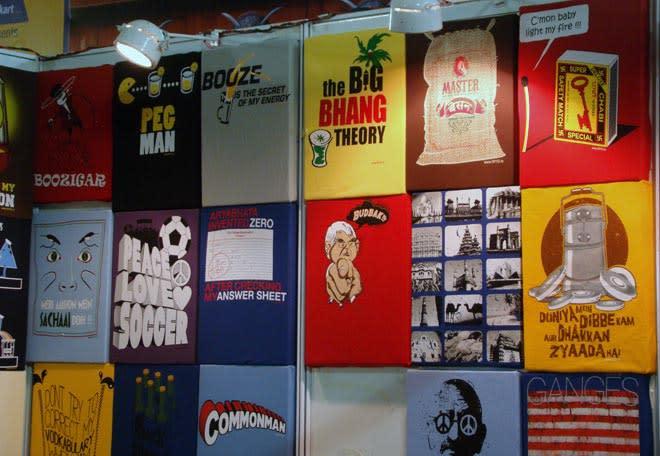 Bangalore_Comic-Con_2014_More_T-shirts