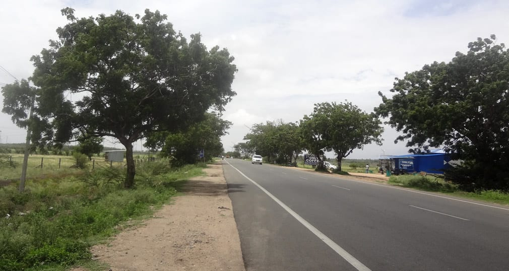 Pollachi_Udumalpet_road