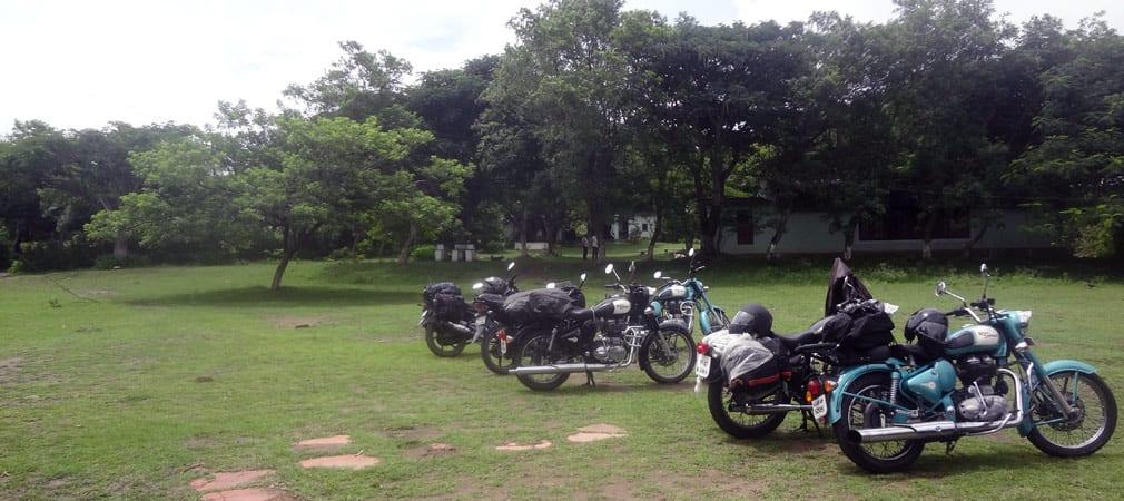 Masinagudi_Hotel_Parking_Area