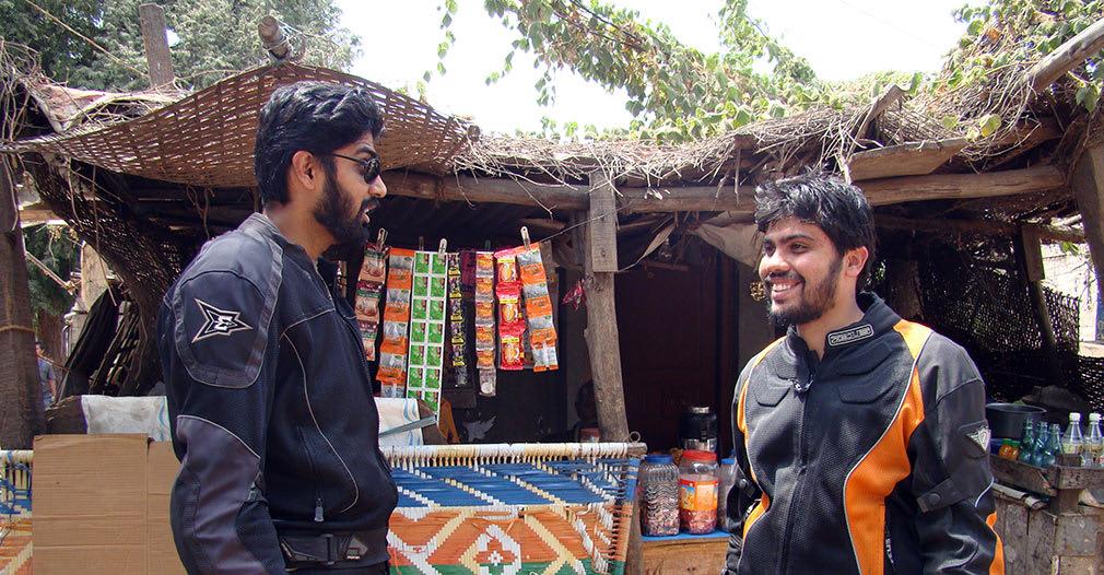 Bala_and_Pramod_Chatting