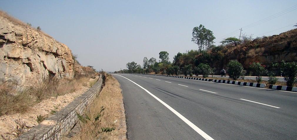 Awesome_Road_Bangalore_Hyderabad_Highway_2