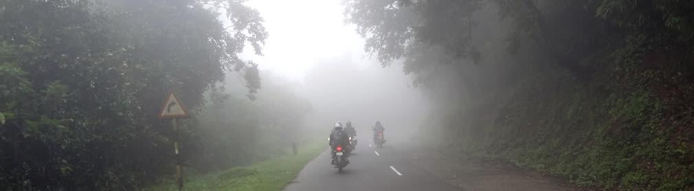 Entering_Mist_Zone_Valparai_3