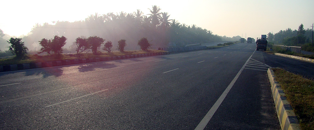 NH4_Smooth_Roads_Tumakaru
