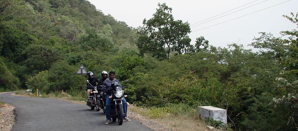Karkegandi_Ghat_Adjacent_to_Sathyamangalam