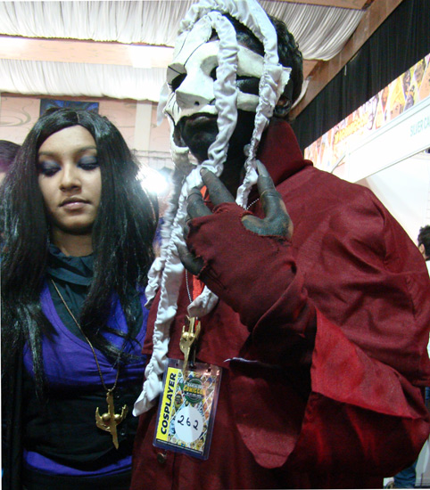 Comic-Con_Bangalore_2014_Cosplayer_262