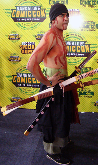 Comic-Con_Bangalore_2014_Roronoa_Zoro_One_Piece