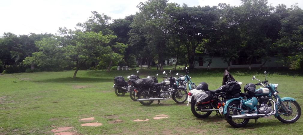 Masinagudi_Hotel_Parking_Area
