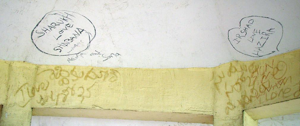Vandals_Grafitti