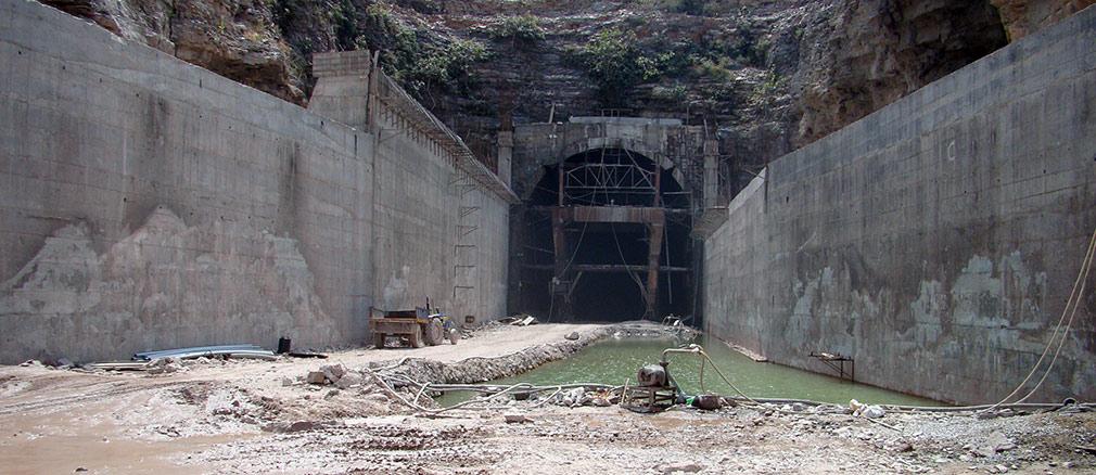 The_Tunnel_Gandikota_Entrance