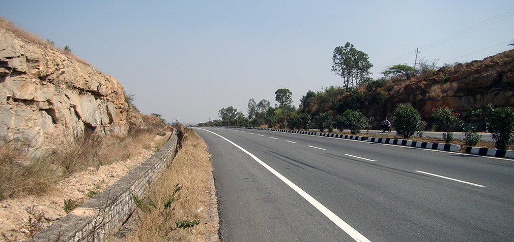 Awesome_Road_Bangalore_Hyderabad_Highway_2