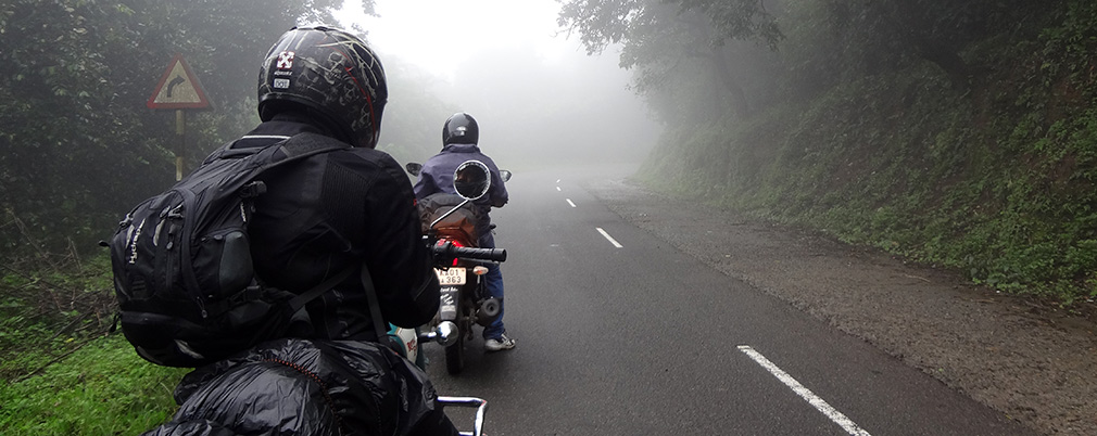 Entering_Mist_Zone_Valparai