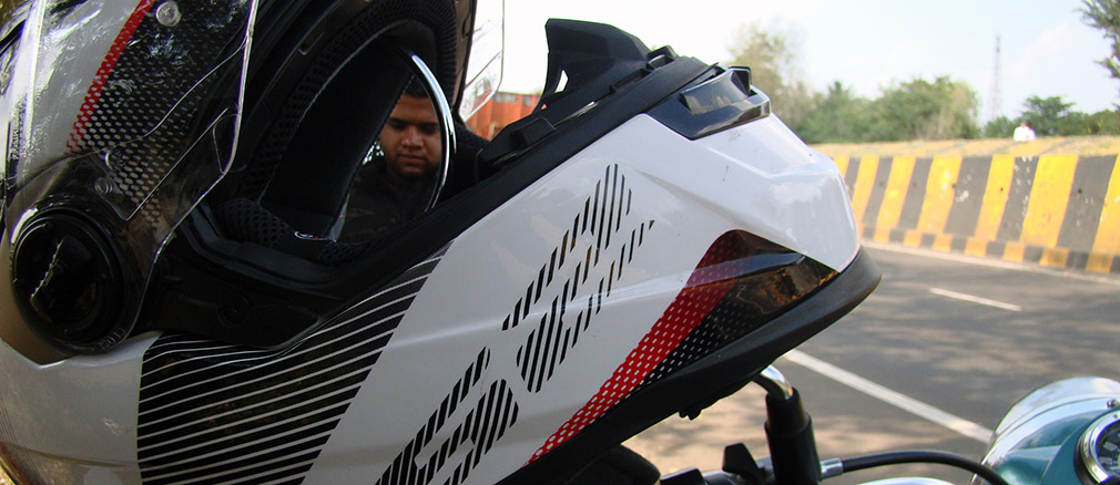 LS2_Helmet_Salman_Ravoof_Mirror