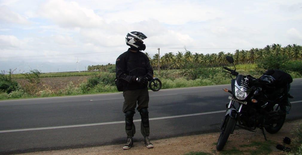 Pramod_looking_at_the_road