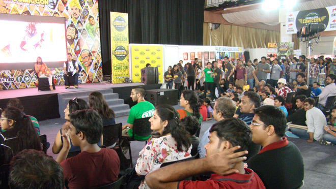 Bangalore_Comic-Con_2014_Sana_Amanat_Crowd