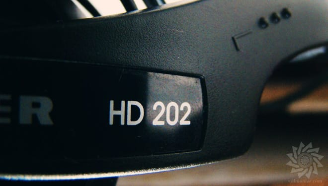 Sennheiser HD 202 II Headband Closeup