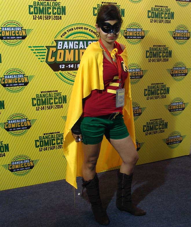 Bangalore_Comic-Con_2014_Miss_Robin