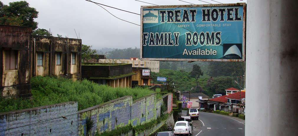 Valparai_Hotel_Treat_Outside