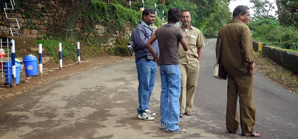 Martin_Discussing_with_Drivers_Conductors