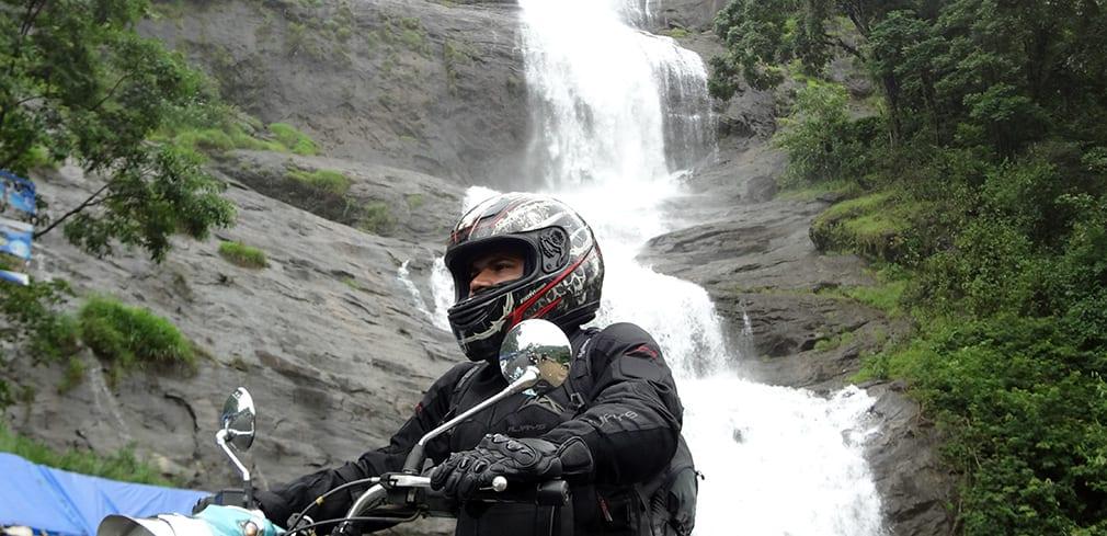 Salman_Classic_500_RE_Waterfalls_Background