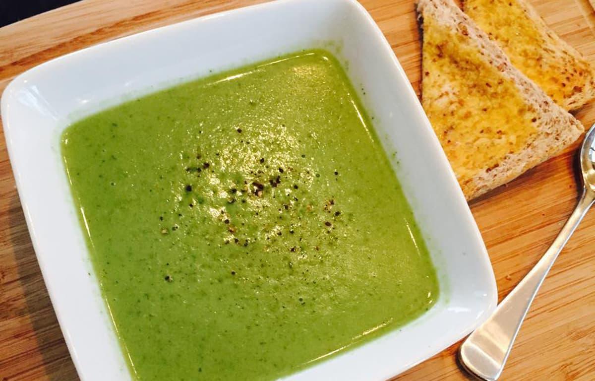Coconut broccoli soup image 1