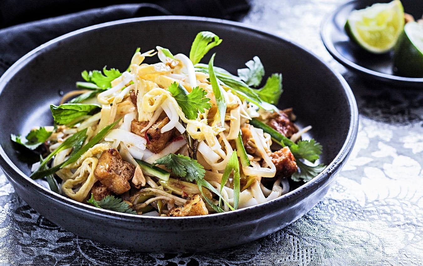 Vegetarian pad thai image 1