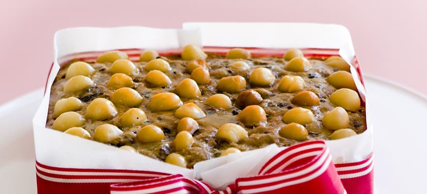 Macadamia Christmas cake image 1