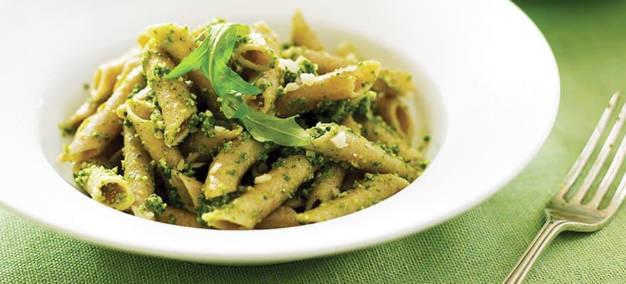 Rocket and macadamia pesto pasta image 1